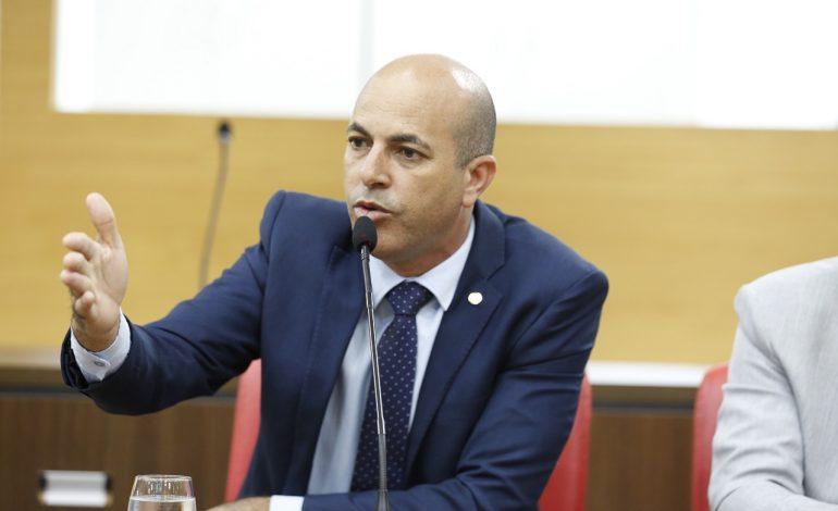 Ismael Crispin discute ampliação do ensino profissionalizante em São Miguel do Guaporé