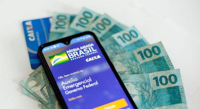 Congresso quer retomar pagamentos de R$ 600 do auxílio emergencial