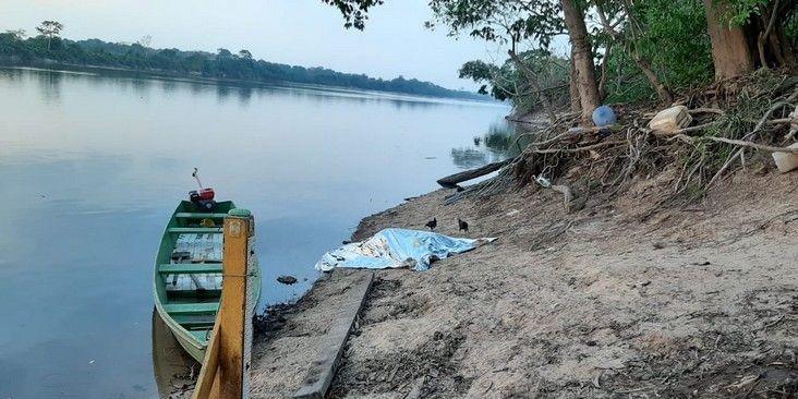 Em Ji-Paraná, corpo de mulher é encontrado com as vísceras expostas às margens do rio Machado