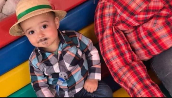 Menino de 3 anos é morto pela mãe e colocado em um saco plástico com urso de pelúcia