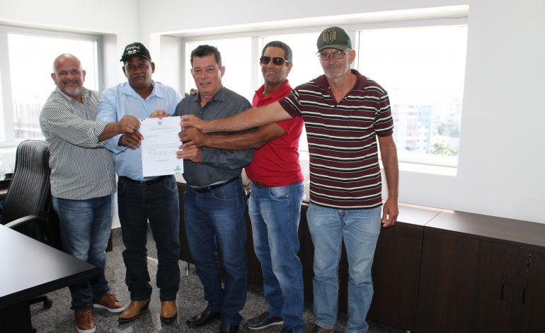 CUJUBIM: Edson Martins destina emenda para aquisição de equipamentos agrícolas