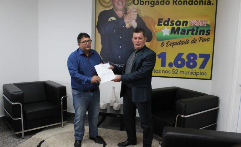EM CEREJEIRAS: Deputado Edson Martins destina R$ 100 mil para fábrica de manilhas