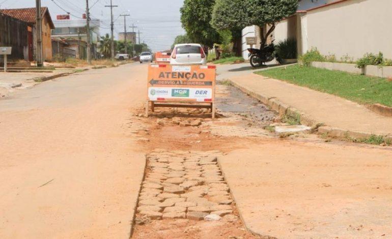 Prefeitura e DER assinam termo para recuperação de vias danificadas em Ji-Paraná