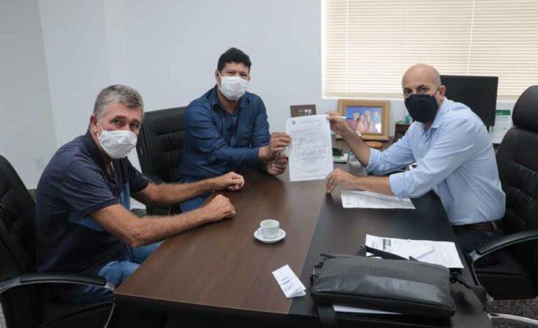 Deputado Estadual confirma recurso para atender distrito de Triunfo