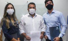Prefeitura e Estácio Unijipa firmam convênio com desconto para servidores municipais