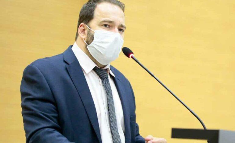 Emenda de Alex Redano garante convênio de R$ 225 mil para aquisição de material didático para Monte Negro