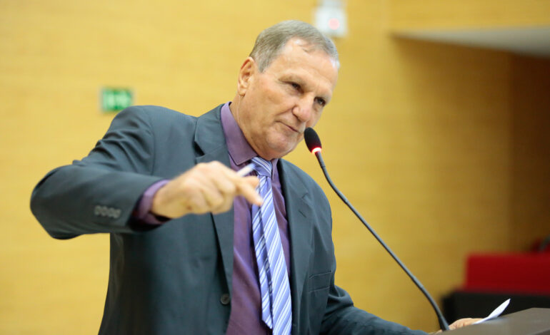 Adelino Follador denuncia abuso no transporte do interior à capital