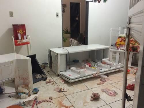 REVOLTADA: Homem é atacado na cabeça com garfo e tem casa destruída por ex-mulher