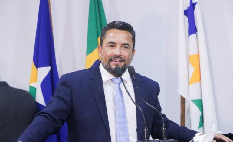 Isaú Fonseca toma posse como prefeito de Ji-Paraná