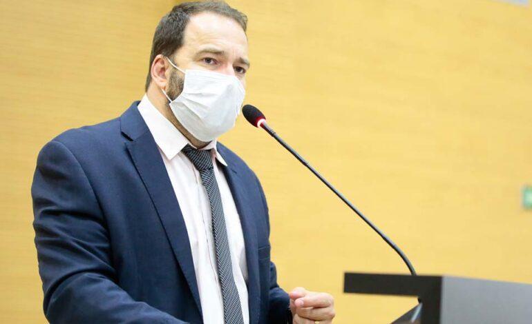 Asfalto nos distritos de Rio Branco e Três Coqueiros é solicitado pelo deputado Alex Redano