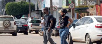 Jovens estão se infectando mais com Covid-19 e contaminando grupo de risco em Rondônia