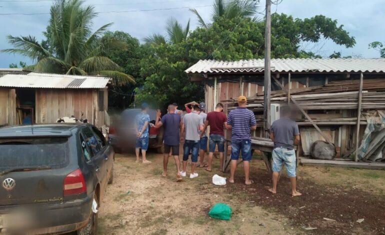 Jovem de 17 espera pai viajar, faz festa e polícia é acionada para conter aglomeração