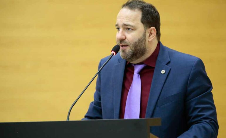 Alex Redano indica ao Governo asfaltamento de trechos nos distritos de Jacinópolis e Nova Dimensão