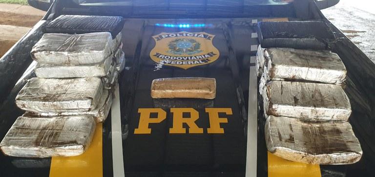 CRIME: PRF apreende 21 kg de droga avaliados em mais de R$ 2,5 milhões