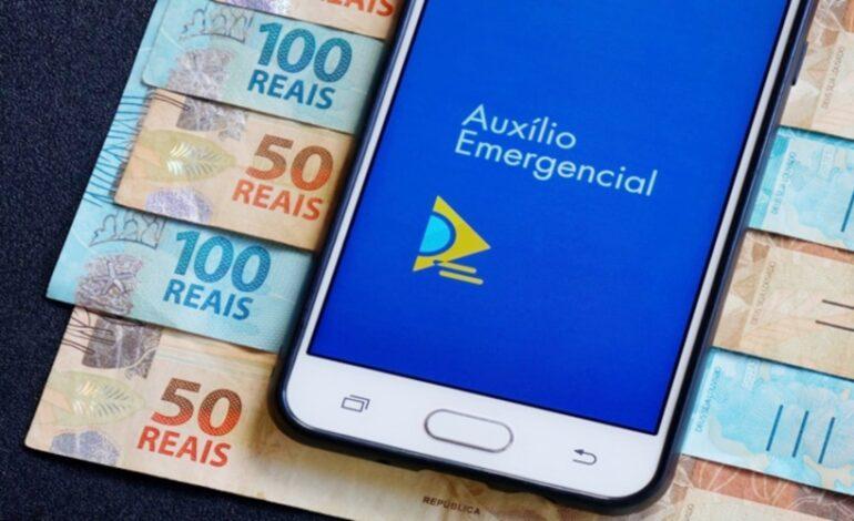 Sem auxílio emergencial, governo estuda benefício de R$ 200 por 3 meses