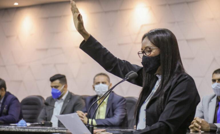Legislativo ganha nova vereadora, em Ji-Paraná