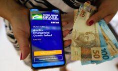 Bolsonaro diz que auxílio deve voltar em março e com parcelas de R$ 250