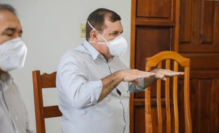 Vigilância Sanitária orienta população sobre cuidados com aCovid