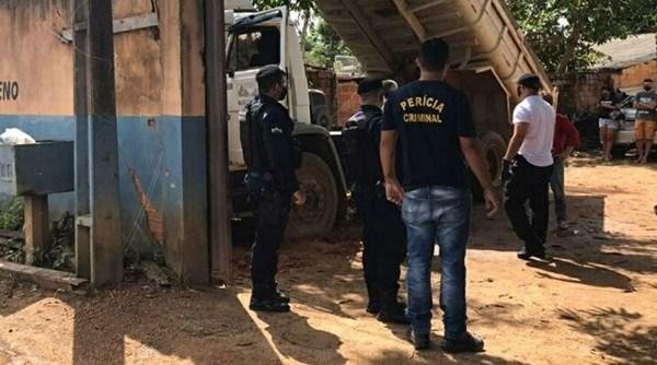 Rondônia: Idoso morre com cabeça esmagada por basculante de caçamba