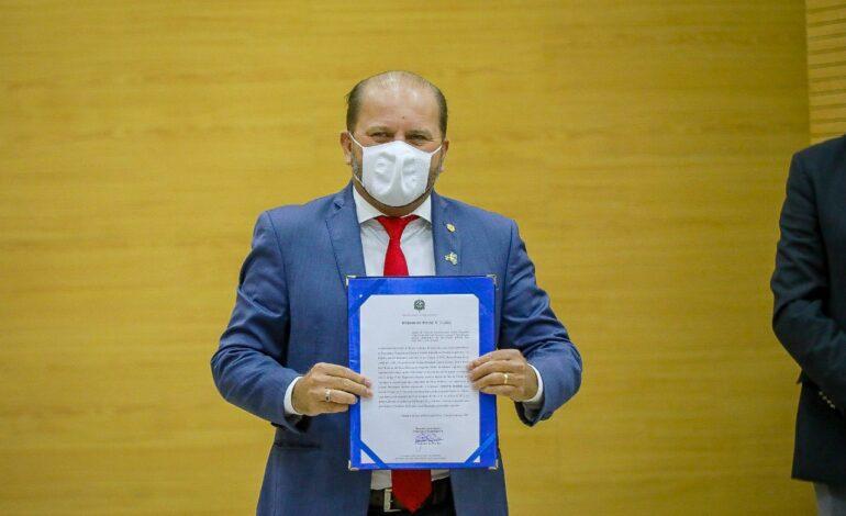 Cirone Deiró assume posição na mesa diretora e quer ampliar diálogo com a população