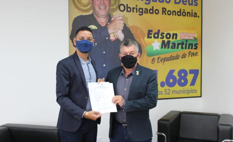 Deputado Edson Martins destina recurso para escola de Governador Jorge Teixeira