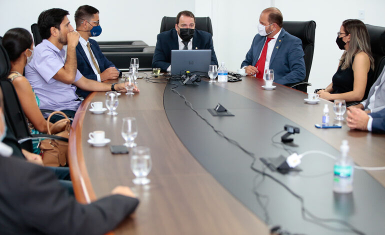Presidente Alex Redano discute alternativas para a flexibilização das atividades comerciais e empresariais