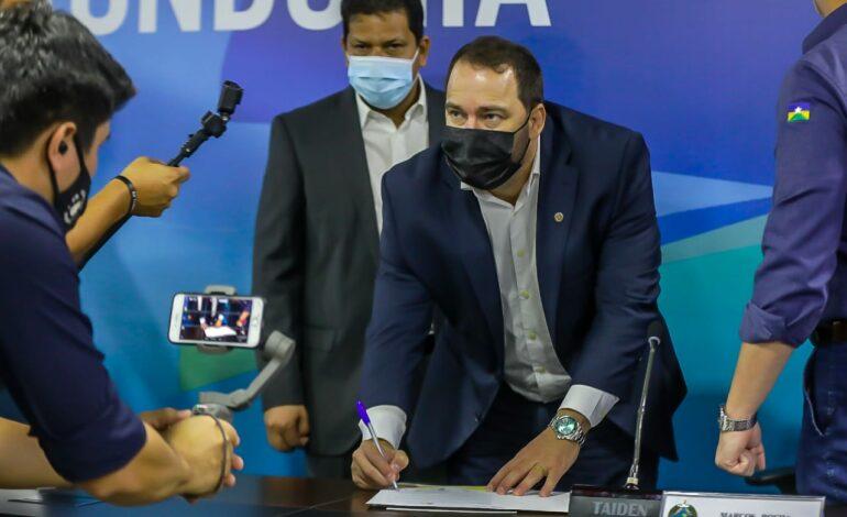 Presidente Alex Redano participa de lançamento do Proampe, programa de microcrédito do Governo