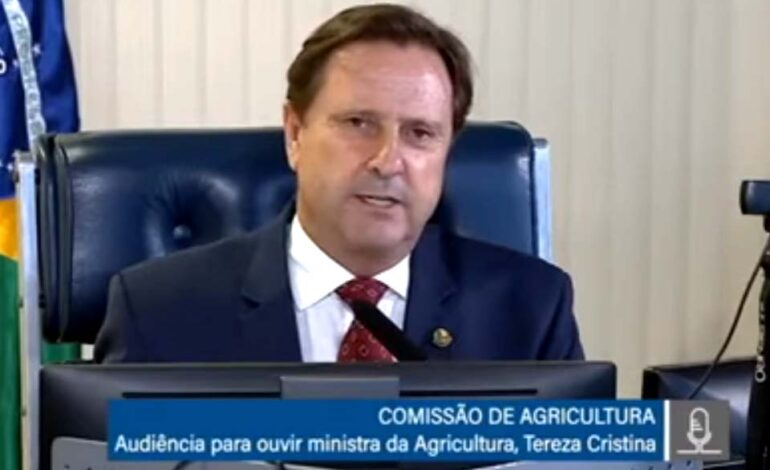 Presidente da comissão de Agricultura, Acir Gurgacz anuncia que Rondônia foi declarada área livre de febre aftosa, sem vacinação