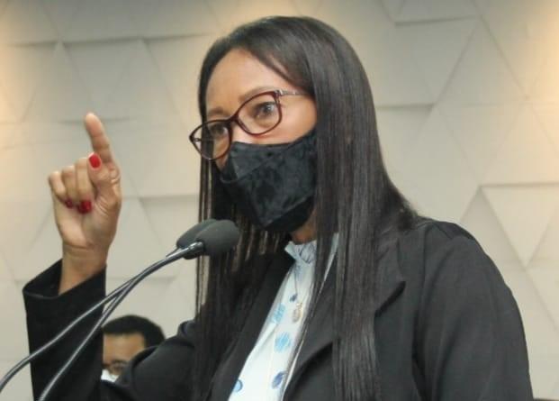 Ji-Paraná – Vereadora Vera Márcia destaca mês da mulher e defende mais dignidade