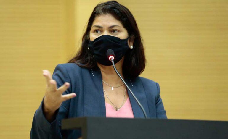 Presidente da Comissão de Saúde, deputada Cassia Muleta participa de votação e aprovação do Programa Imuniza Brasil