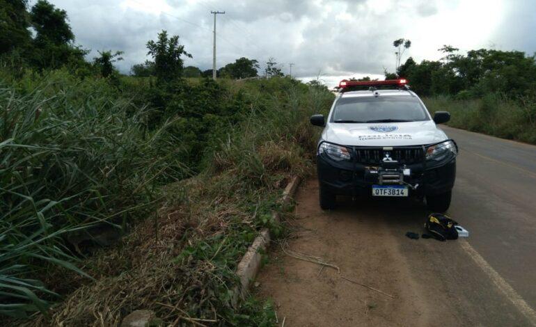 Homem morre após carro cair de ribanceira em Rondônia