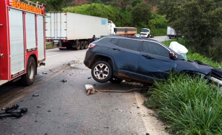 Motorista morre em violenta colisão com carreta na BR-364