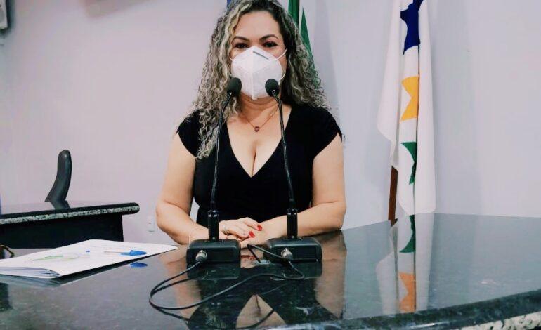 Vereadora Juscelia Dallapicola participa de sessão que votou incentivo aos profissionais da saúde
