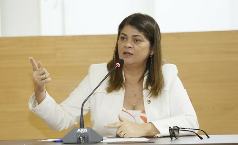 Deputada Cassia Muleta destina emenda para recuperação de estradas vicinais de Theobroma