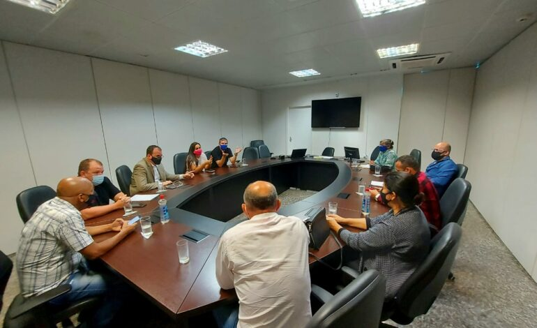 Deputada Cassia participa de reunião decisiva para a saúde de Guajará