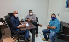 Prefeito de Candeias pede apoio ao deputado Ismael Crispin na viabilização de vacinas