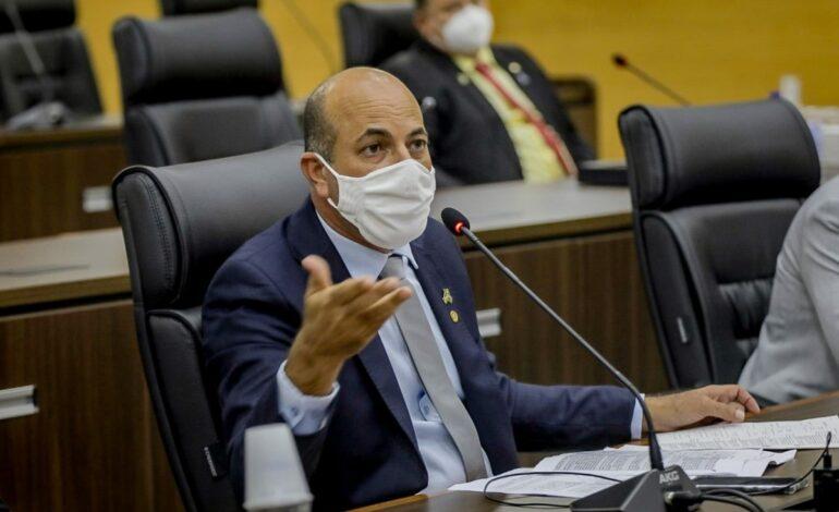 Parlamentares rejeitam veto do executivo a PL de Ismael Crispin que pede isenção do ICMS na aquisição de armas para servidores da segurança pública