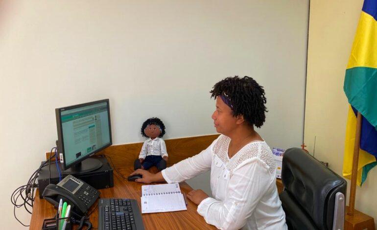 Sílvia Cristina defende aumento de valor na aquisição de veículos para portador de deficiência