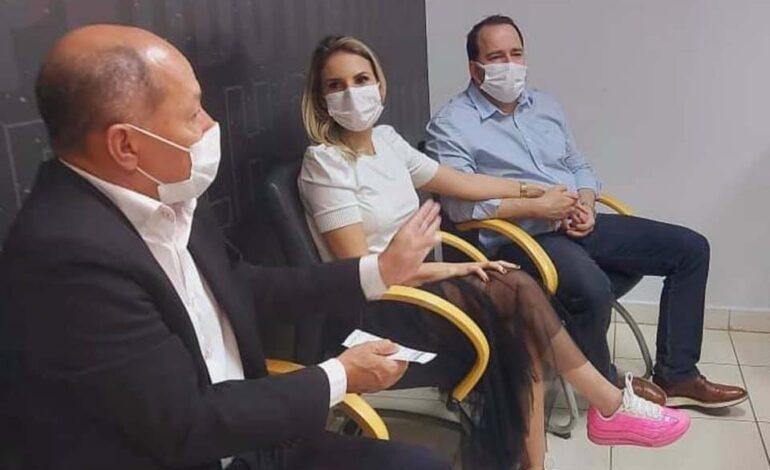 Carla Redano agradece Coronel Chrisóstomo por destinar R$ 10 milhões para asfalto e R$ 1,5 milhão para bloquete em Ariquemes