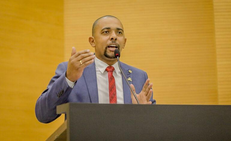 Deputado Cabo Jhony destaca vacinação prioritária para as forças de segurança