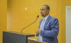 Deputado Jhony Paixão cobra mais vacinas para trabalhadores essenciais
