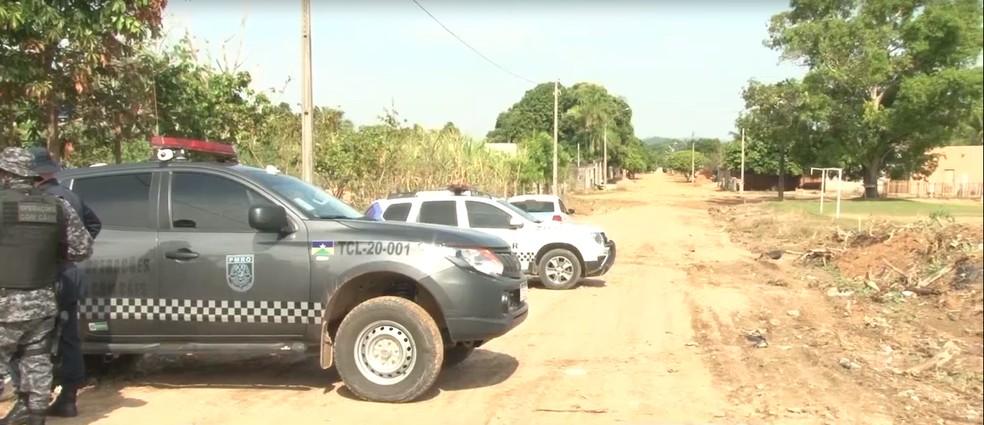 Policiais cumprem reintegração de Ji-Paraná, RO — Foto: Cristiano Araújo/Rede Amazônica
